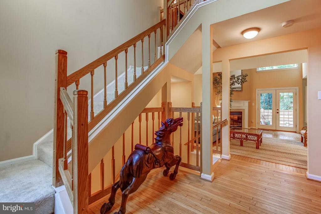 Striking foyer welcomes you home! - 11749 ARBOR GLEN WAY, RESTON