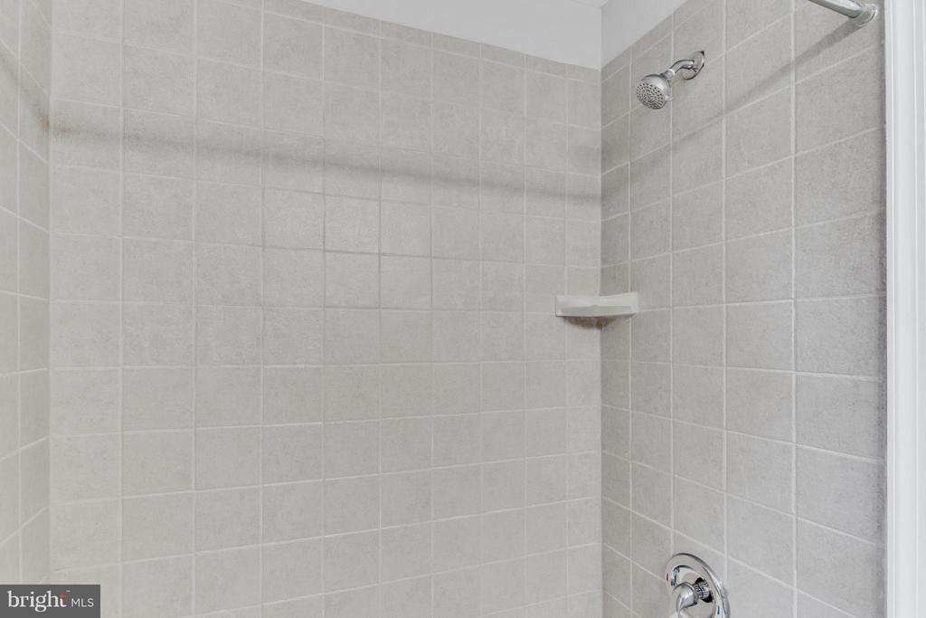 Bath - 11925 WAPLES MILL RD, OAKTON