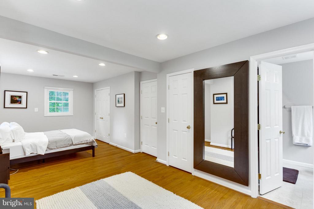 Bedroom (Master) - 11925 WAPLES MILL RD, OAKTON