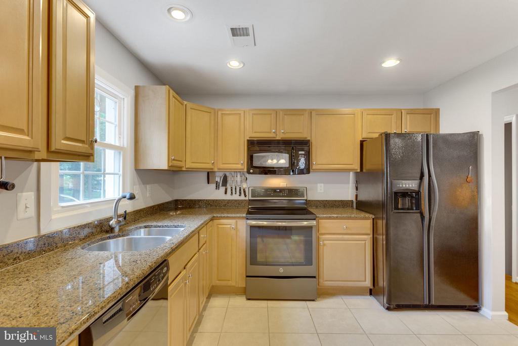 Kitchen - 11925 WAPLES MILL RD, OAKTON
