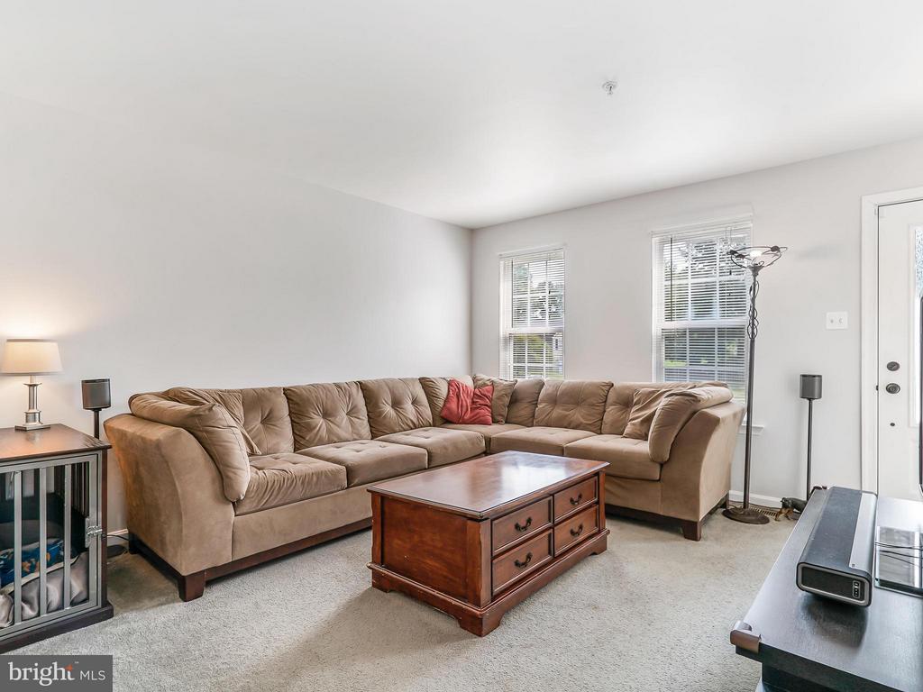 Living Room - 4406 BIRCHTREE LN, TEMPLE HILLS