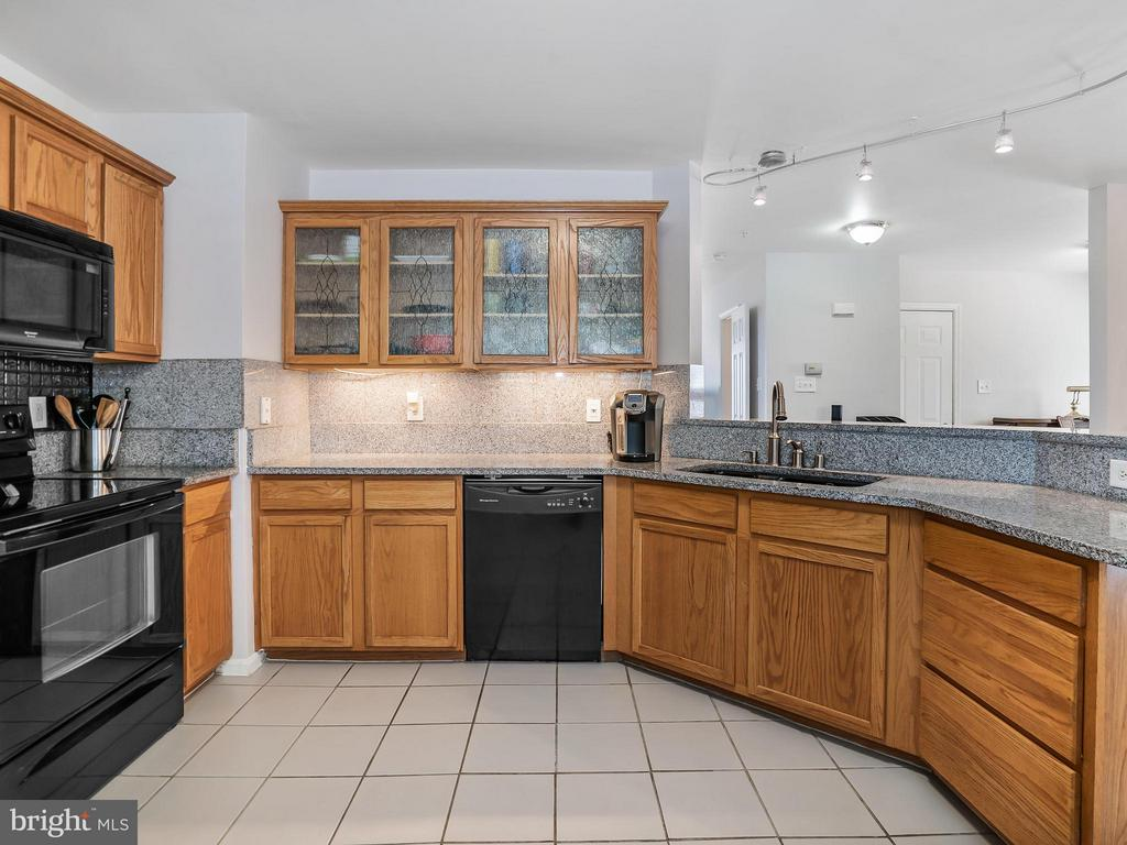 Kitchen - 4406 BIRCHTREE LN, TEMPLE HILLS