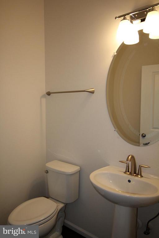 2nd Level Half-Bath - 23426 ADAGIO TER, ASHBURN