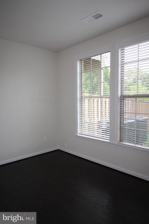 1st Floor Bedroom - 23426 ADAGIO TER, ASHBURN