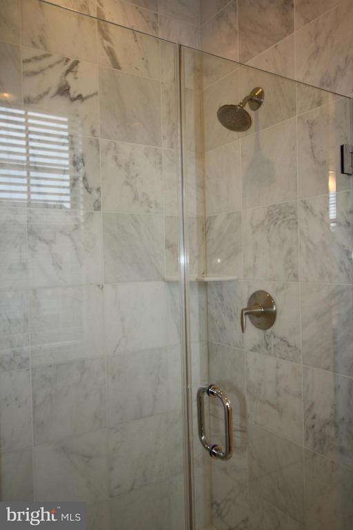 Bath (Master) - 23426 ADAGIO TER, ASHBURN