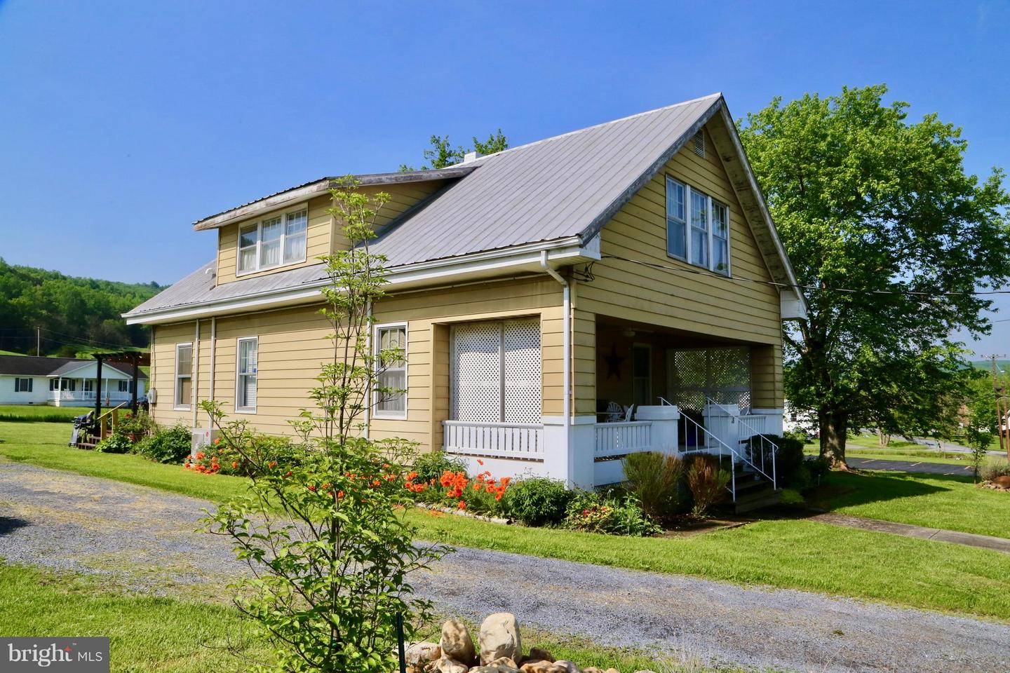 Single Family for Sale at 35 Carpenter Ave Wardensville, West Virginia 26851 United States