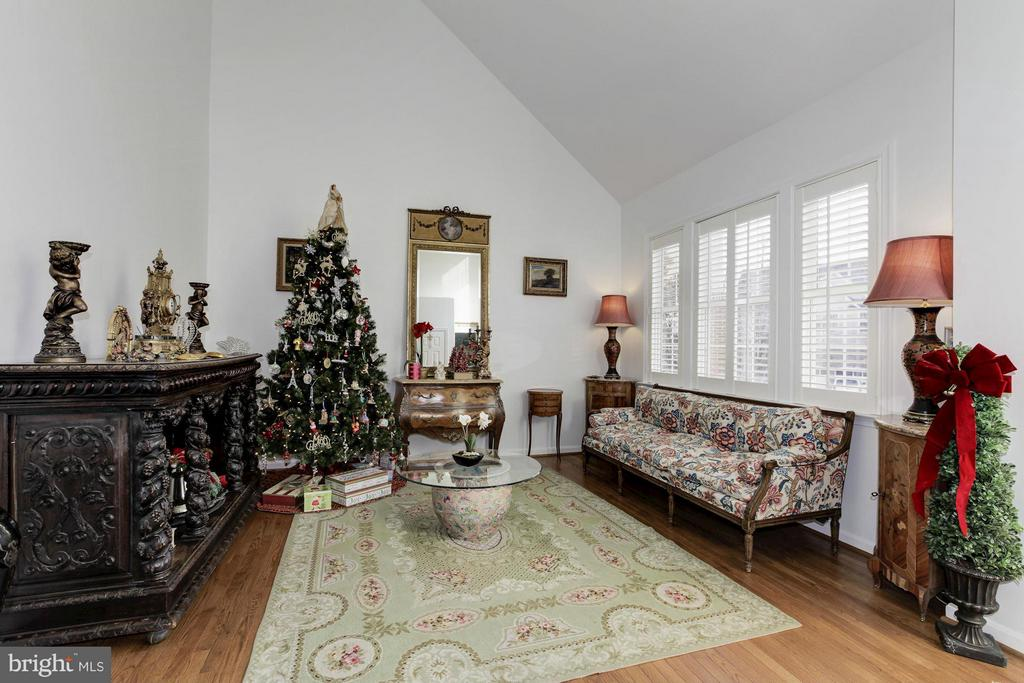 Formal Living Room - 47564 HIDDEN COVE CT, STERLING