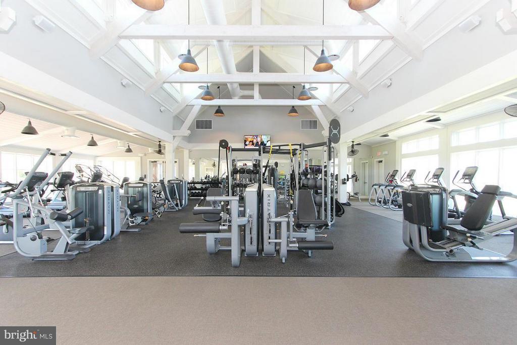 Community Gym - 2183 POTOMAC RIVER BLVD, DUMFRIES