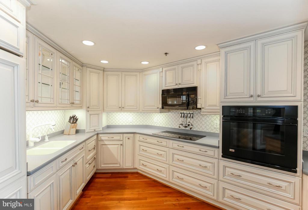 Kitchen - 1401 OAK ST #605, ARLINGTON
