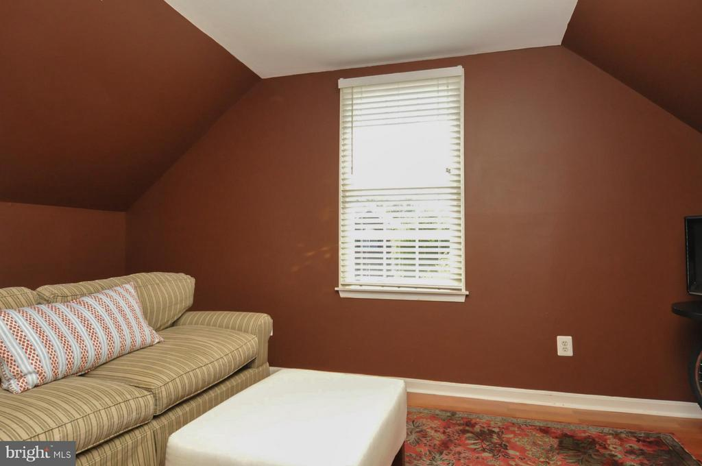 Bonus Room - 19849 BETHPAGE CT, ASHBURN