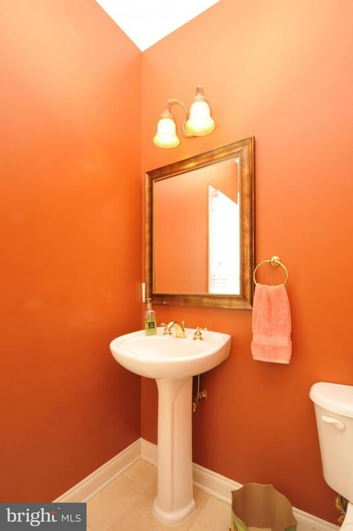 Spacious Powder room with Marble flooring - 19849 BETHPAGE CT, ASHBURN