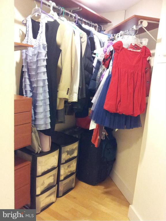 Closet - 1801 CLYDESDALE PL NW #623, WASHINGTON