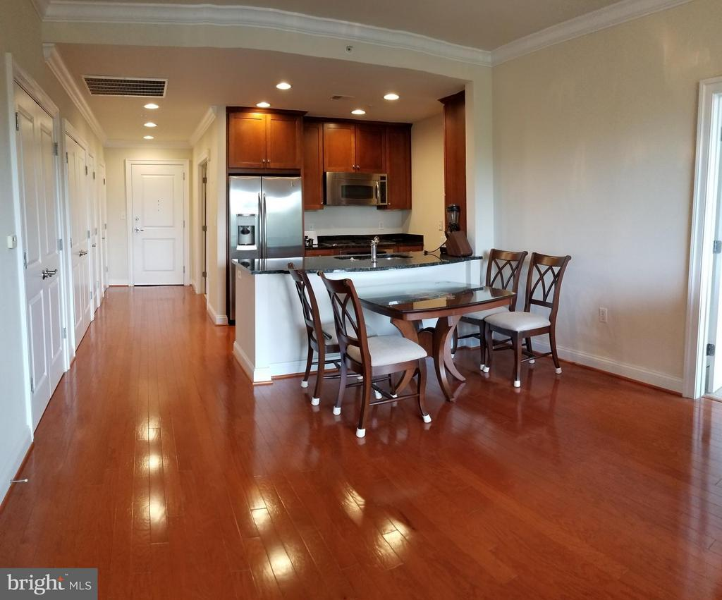 Open and Spacious - 3625 10TH ST N #401, ARLINGTON