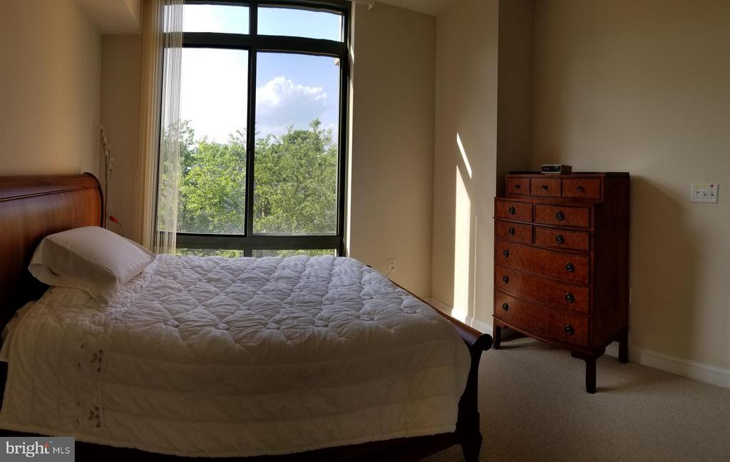 Master Bedroom with Gorgeous view - 3625 10TH ST N #401, ARLINGTON