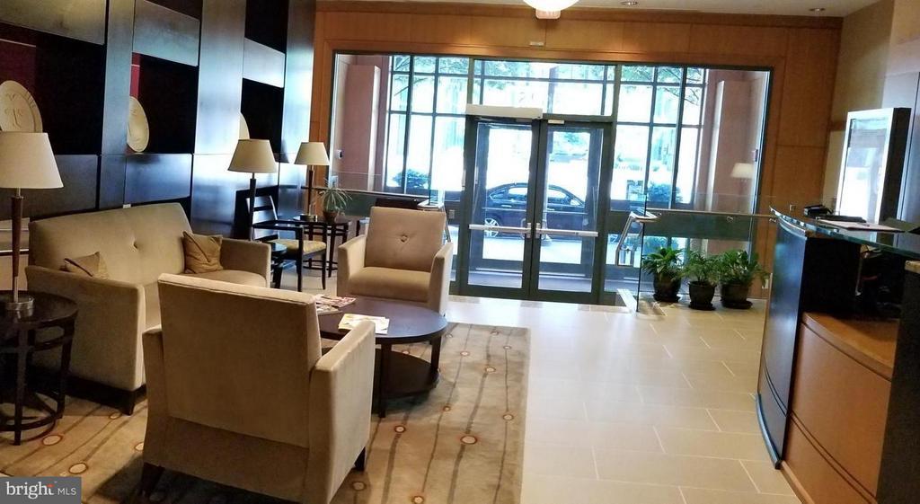 Lobby with Concierge - 3625 10TH ST N #401, ARLINGTON