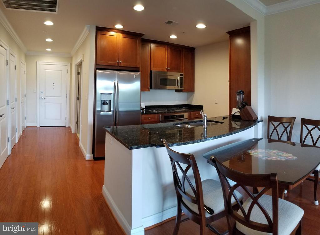 Kitchen/Dining Area - 3625 10TH ST N #401, ARLINGTON