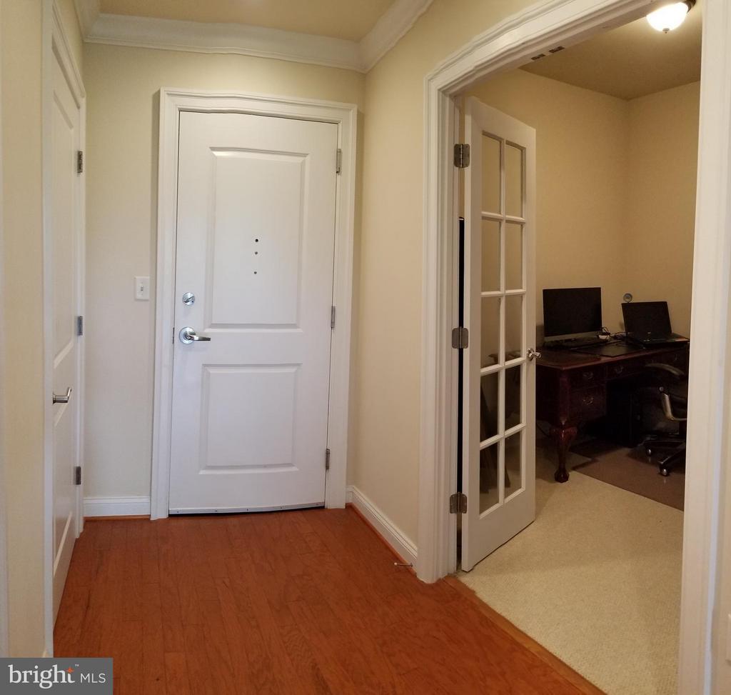 Foyer - 3625 10TH ST N #401, ARLINGTON
