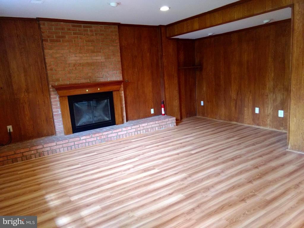 Family Room - 3421 BEAUFORD CIR, ANNANDALE