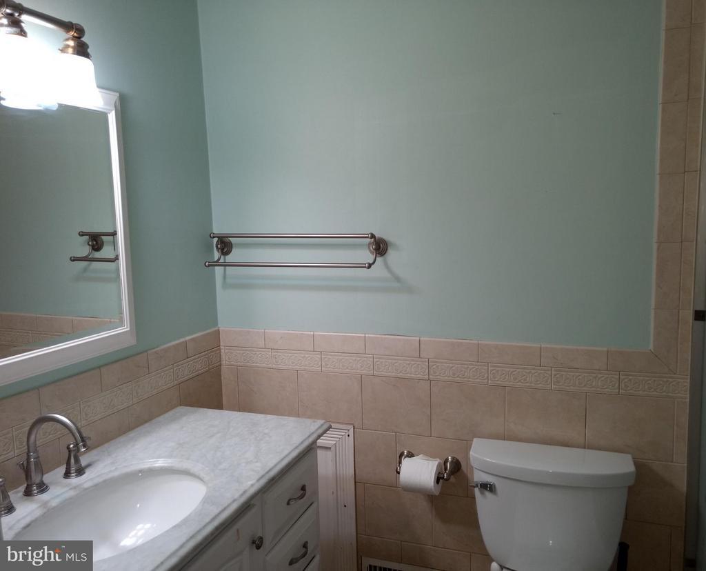 Bath - 3421 BEAUFORD CIR, ANNANDALE
