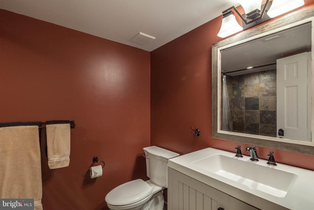 Lower level full bath is also updated-lovely - 11905 CHAPEL RD, CLIFTON
