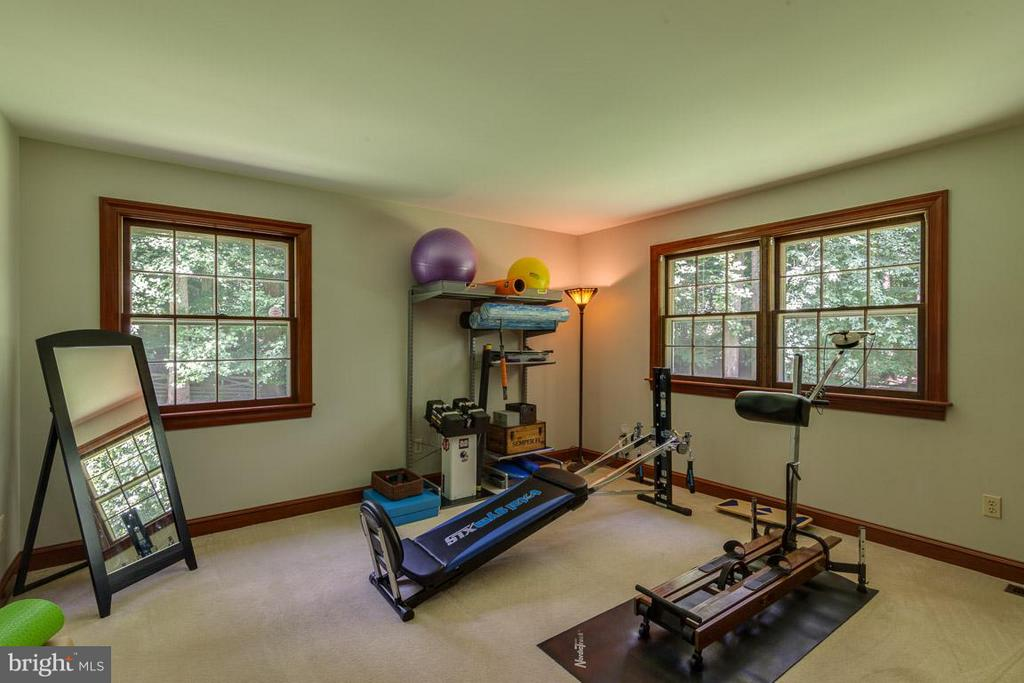 Main level bedroom makes a great gym - 11905 CHAPEL RD, CLIFTON