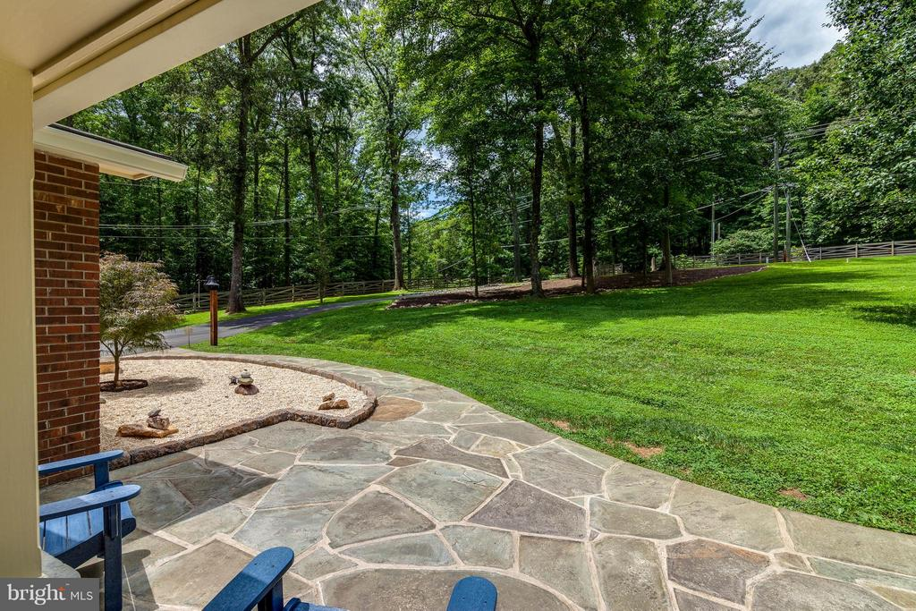 Sit on your front porch - enjoy the lovely view - 11905 CHAPEL RD, CLIFTON