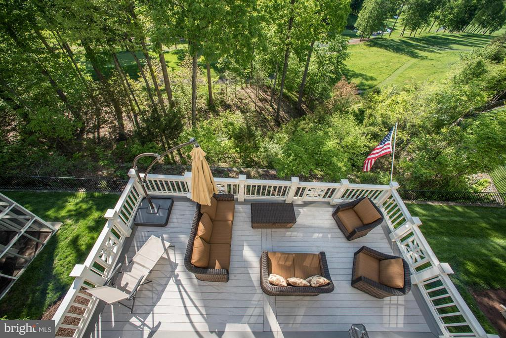 Wraparound Trex Deck with View of Golf Course - 20293 WATER MARK PL, STERLING