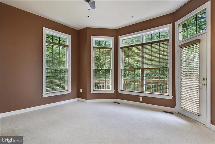Opens to deck and wooded view - 47806 SCOTSBOROUGH SQ, POTOMAC FALLS