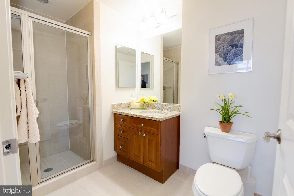 Full Bath - 11990 MARKET ST #917, RESTON