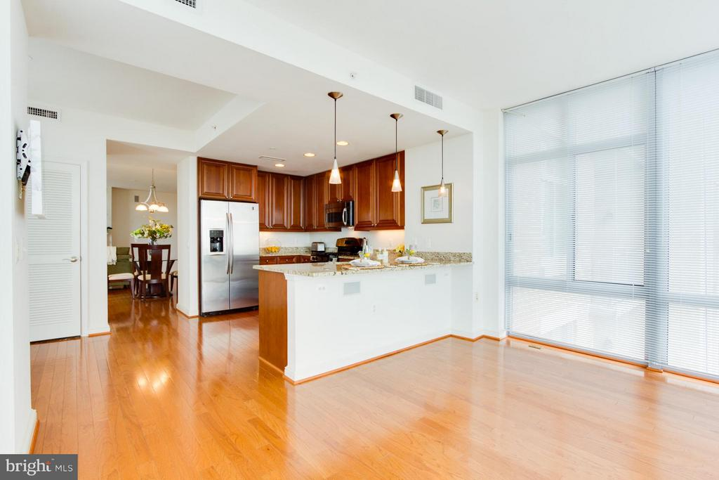 Sunroom to Kitchen - 11990 MARKET ST #917, RESTON