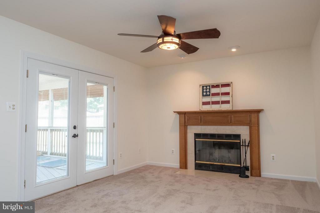 Family Room - 1 JONQUIL PL, STAFFORD