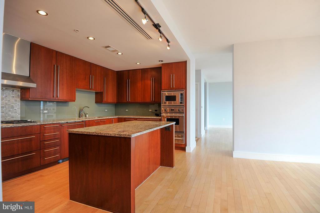 Kitchen - 2001 15TH ST N #1610, ARLINGTON