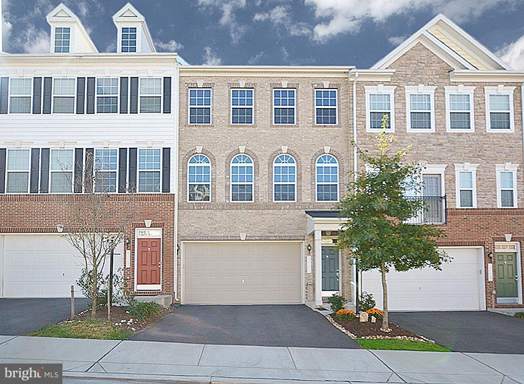 Single Family for Sale at 9058 Maria Way Manassas Park, Virginia 20111 United States