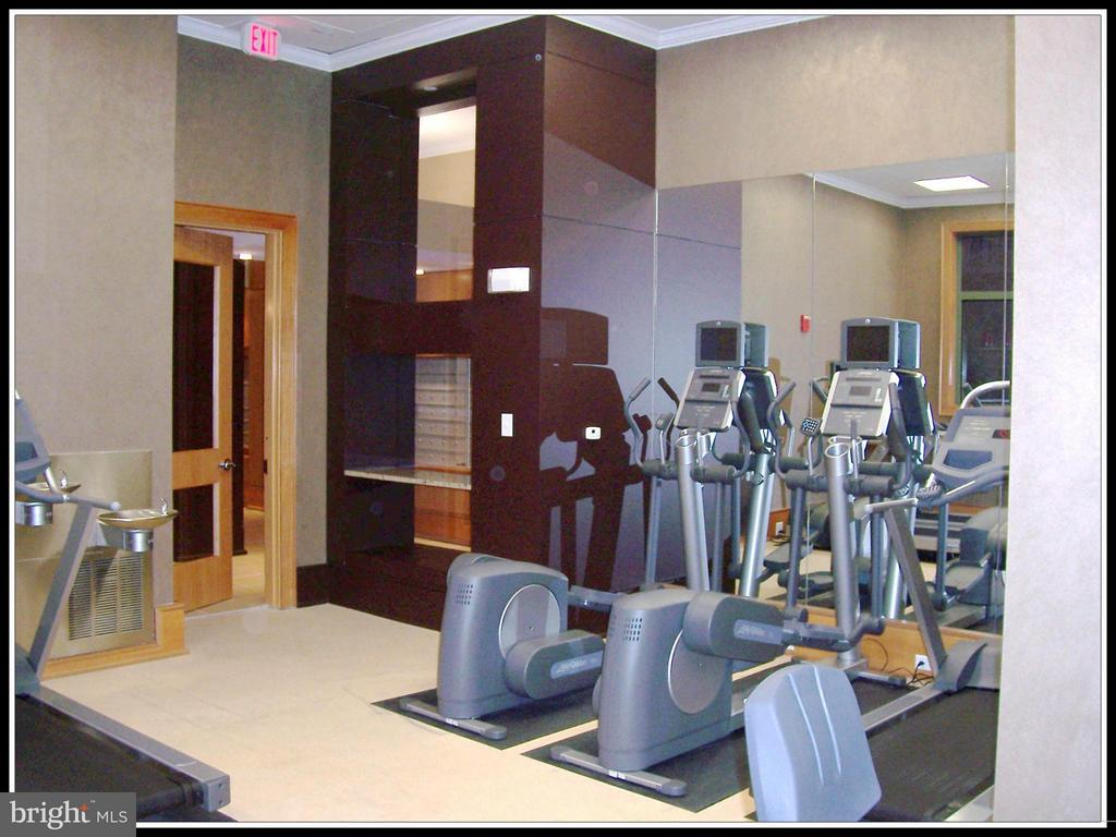 Building gym - 3625 10TH ST N #803, ARLINGTON