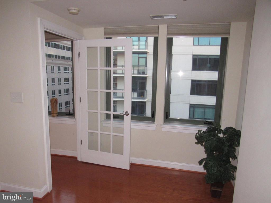 Den/Office/Library or Guest room - 3625 10TH ST N #803, ARLINGTON