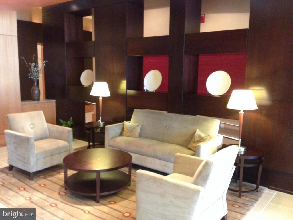 Lobby waiting area - 3625 10TH ST N #803, ARLINGTON