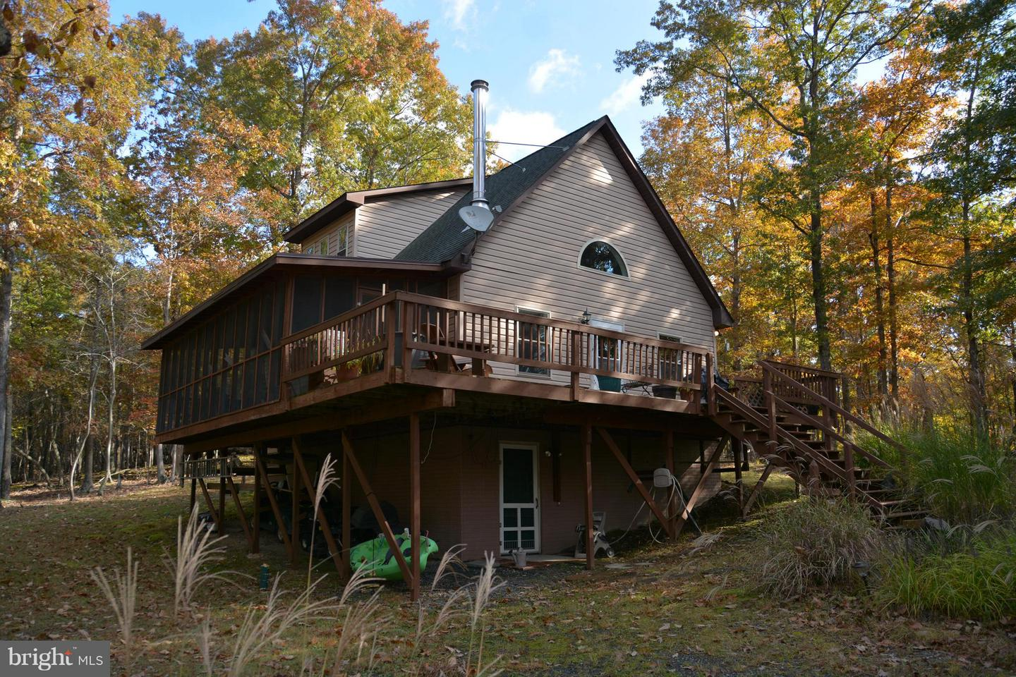 Single Family for Sale at 271 White Oak Trl Bloomery, West Virginia 26817 United States