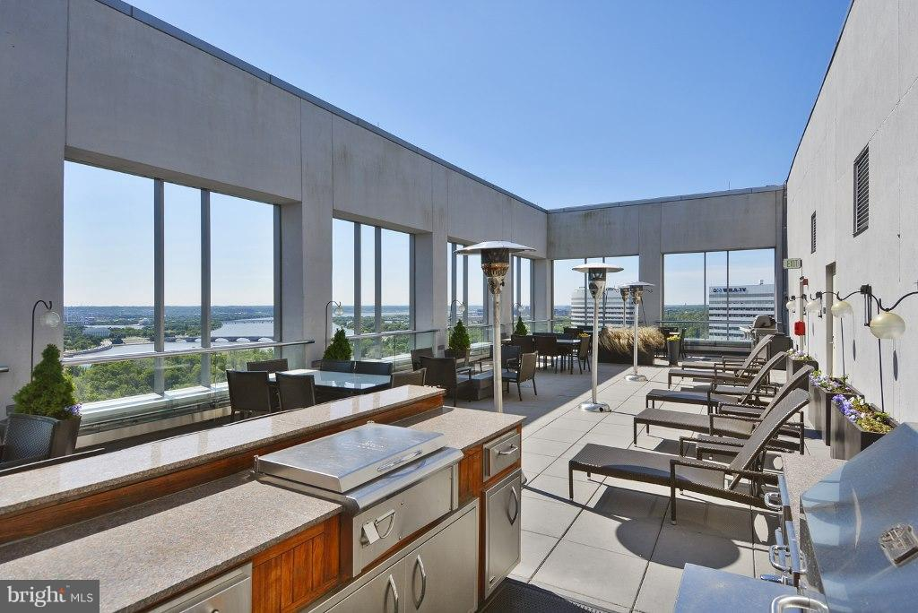World class view of DC & river from terrace - 1111 19TH ST N #1403, ARLINGTON