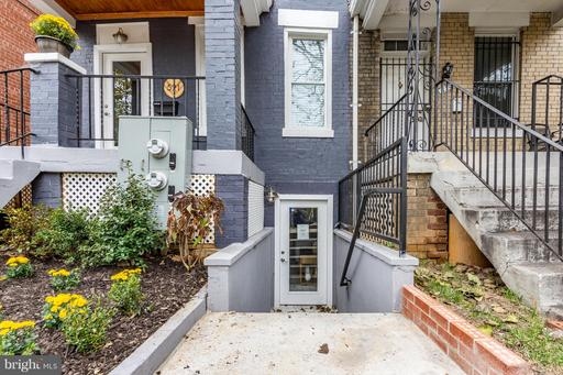 521 COLUMBIA RD NW #1