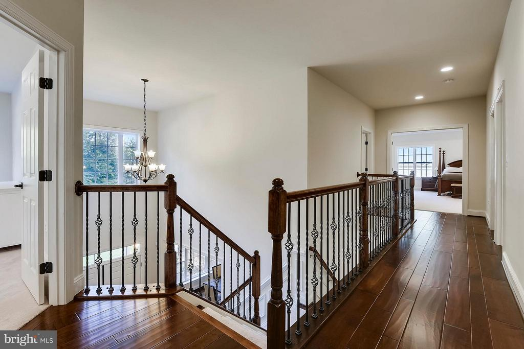 Upper Hallway - 13596 SOUTH SPRINGS DR, CLIFTON