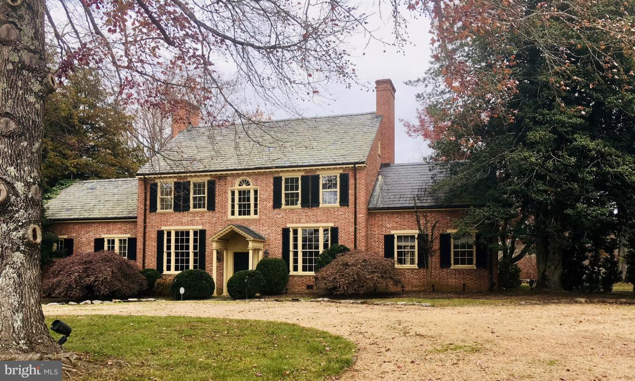 Single Family for Sale at 39280 Snickersville Tpke Middleburg, Virginia 20117 United States