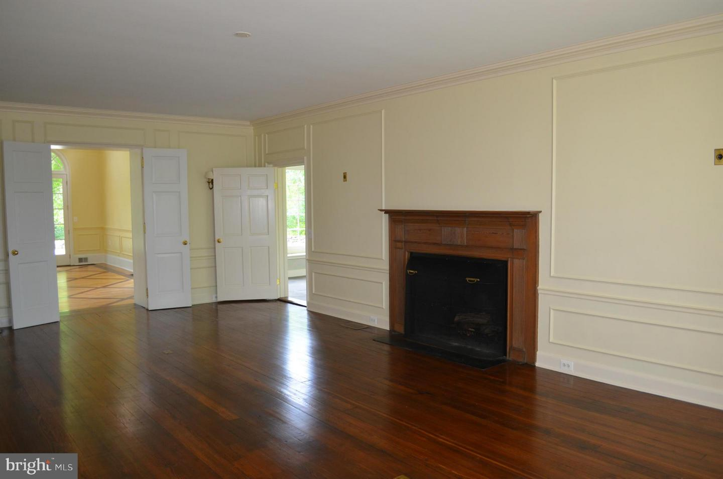 Additional photo for property listing at 39280 Snickersville Tpke  Middleburg, Virginia 20117 United States