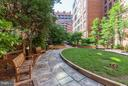 Quiet, serene courtyard. - 616 E ST NW #1150, WASHINGTON