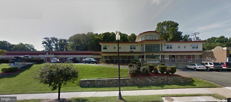 Commerce de détail pour l Vente à Fairfax, Virginia 22030 États-Unis
