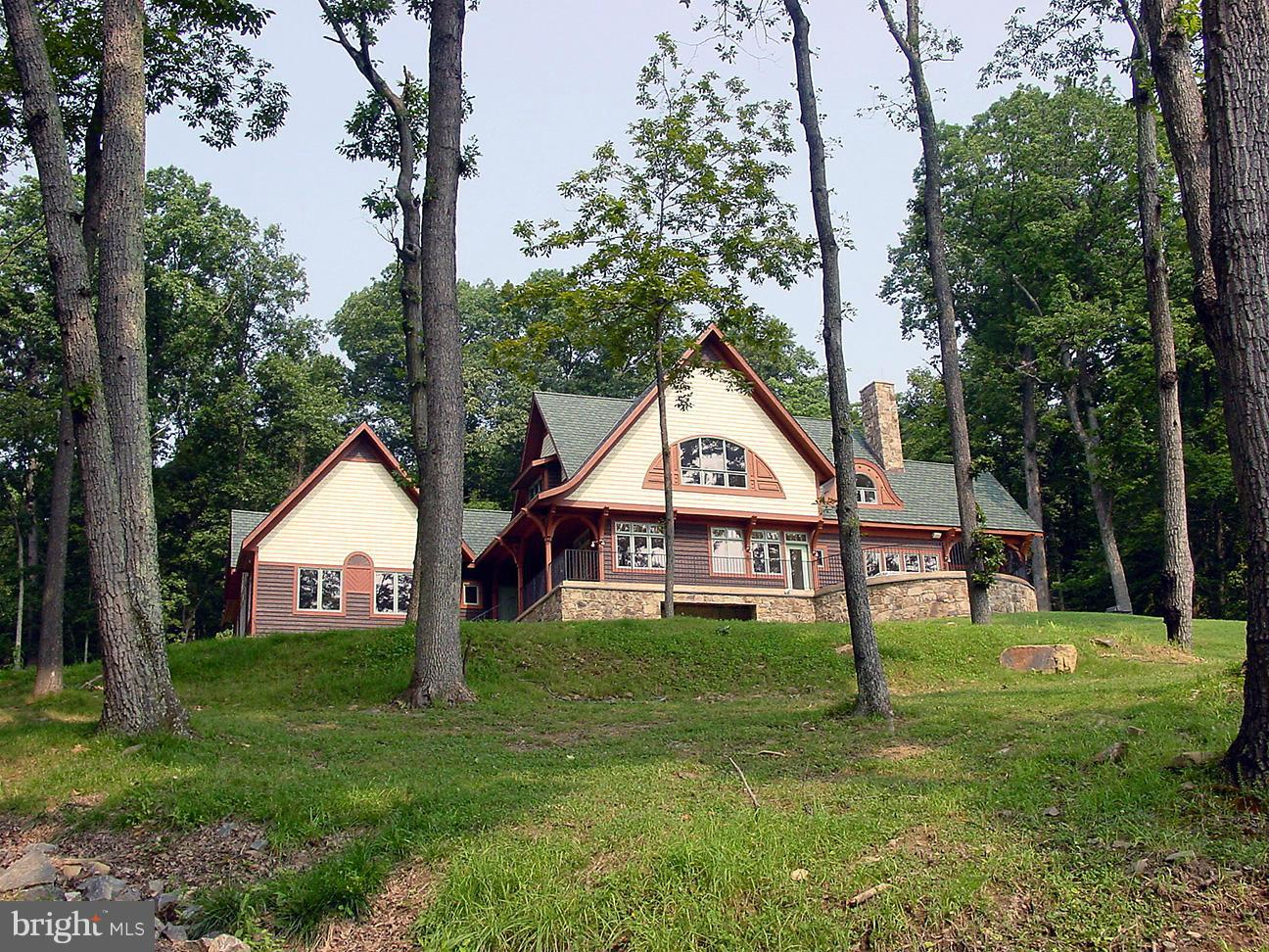 Single Family for Sale at 10210 Possum Hollow Dr Delaplane, Virginia 20144 United States