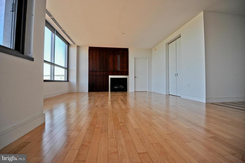 Living Room - 2001 15TH ST N #1612, ARLINGTON