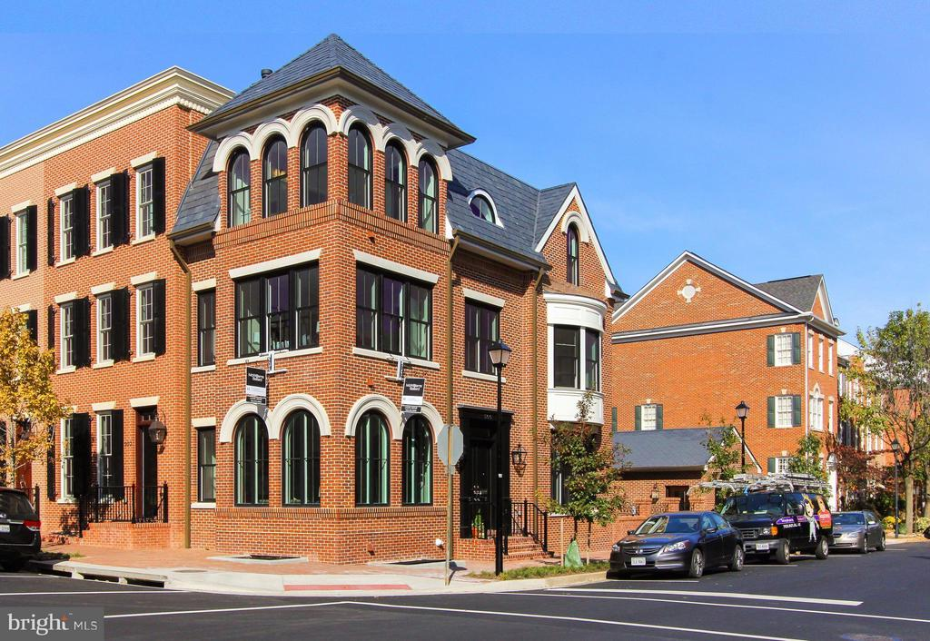 500 N PITT STREET, one of homes for sale in Alexandria