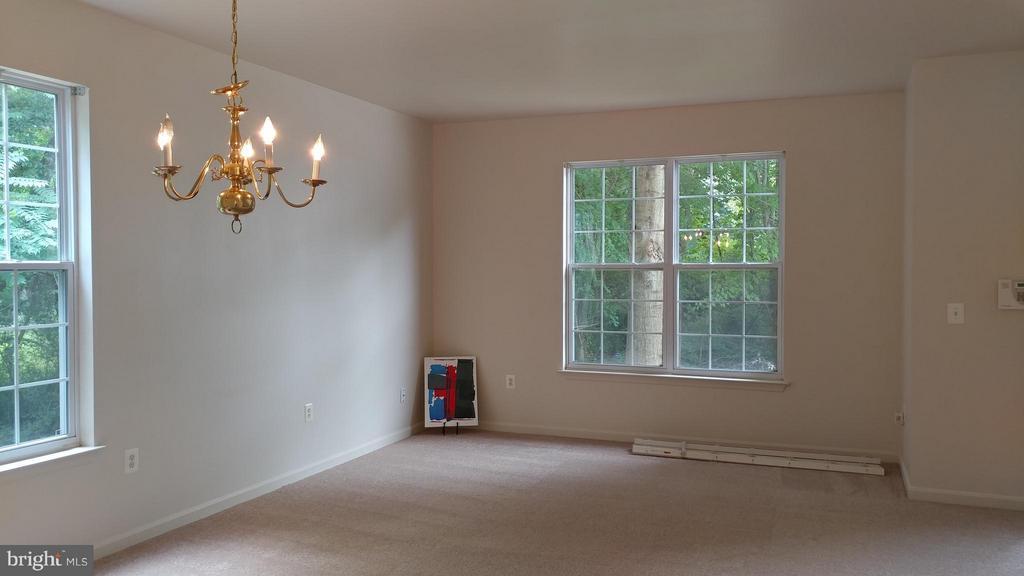 Living Room - 2800 EMIL CT, WOODBRIDGE