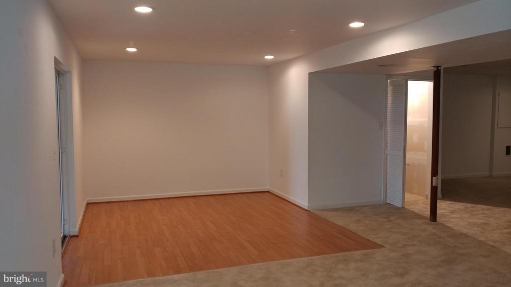 Lower Level Recreation Room - 2800 EMIL CT, WOODBRIDGE
