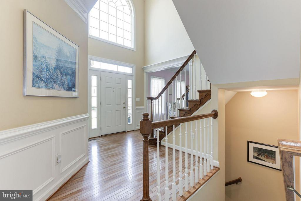 Stairs - 5610 WILLOW CROSSING CT, CLIFTON